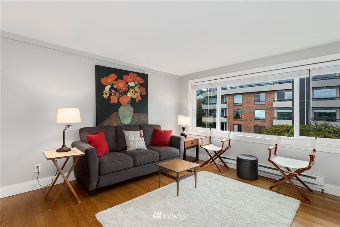 Sold Property   919 2nd Avenue W #606 Seattle, WA 98119 2
