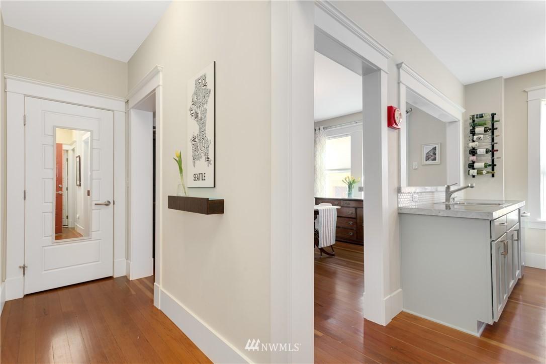 Sold Property | 4420 Dayton Avenue N #4 Seattle, WA 98103 3