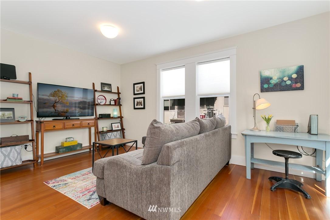 Sold Property | 4420 Dayton Avenue N #4 Seattle, WA 98103 9