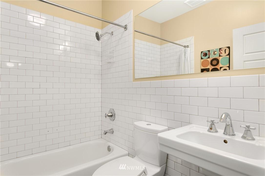 Sold Property | 4420 Dayton Avenue N #4 Seattle, WA 98103 12