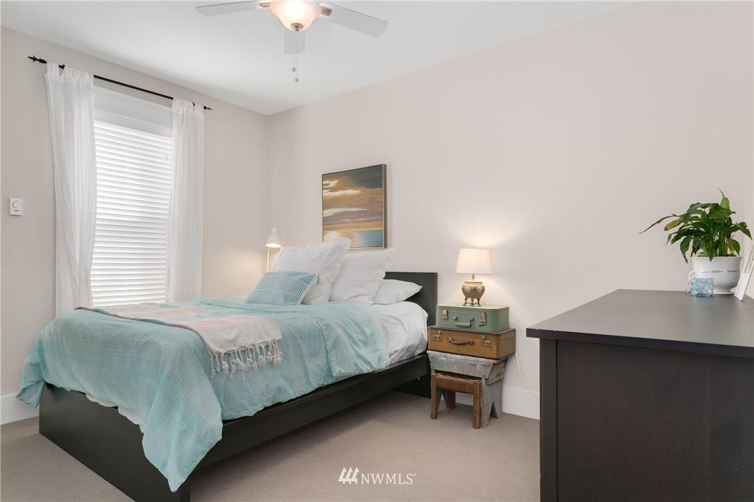 Sold Property | 4420 Dayton Avenue N #4 Seattle, WA 98103 13