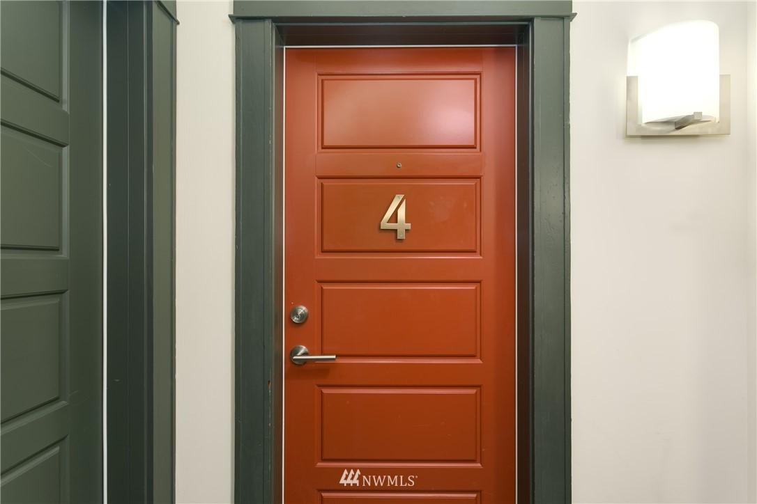 Sold Property | 4420 Dayton Avenue N #4 Seattle, WA 98103 14