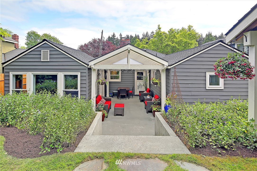 Sold Property | 4747 48th Avenue NE Seattle, WA 98105 23
