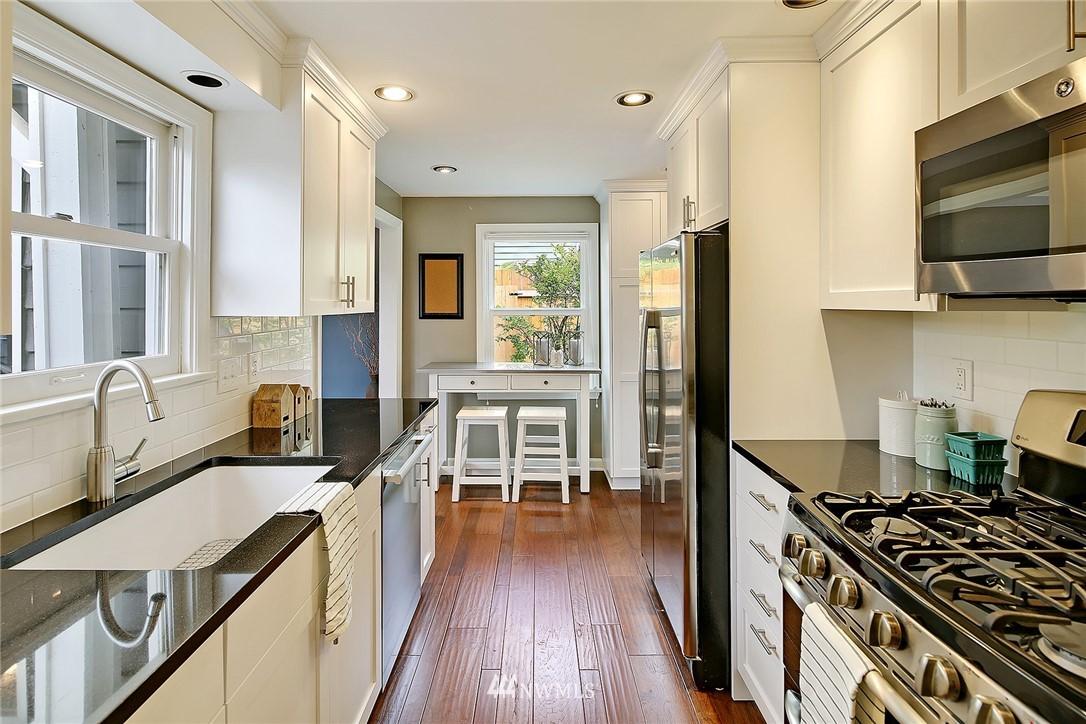Sold Property | 4747 48th Avenue NE Seattle, WA 98105 3