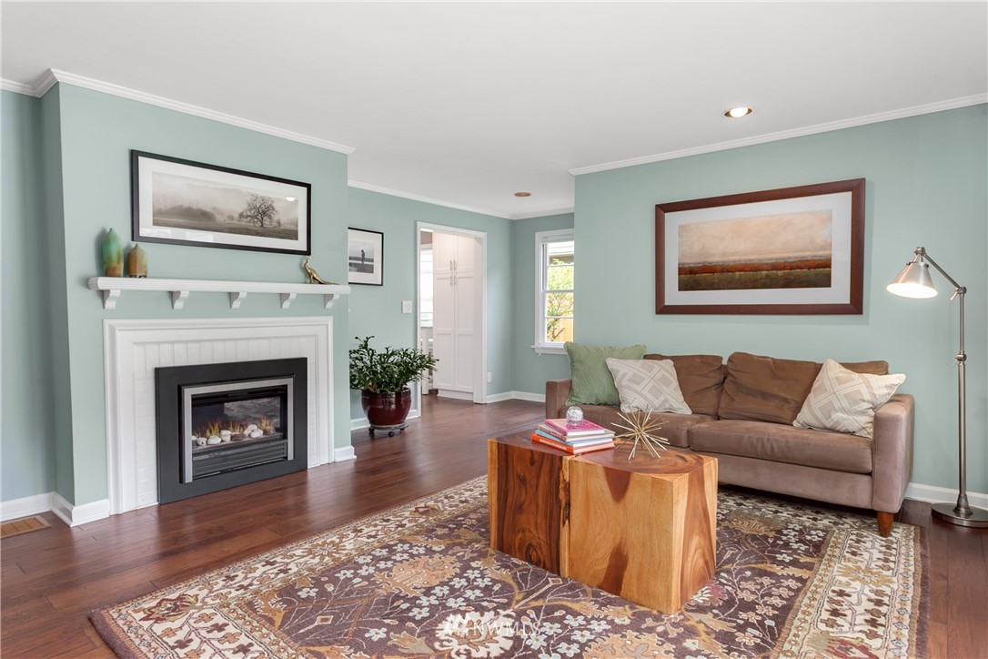 Sold Property | 4747 48th Avenue NE Seattle, WA 98105 1