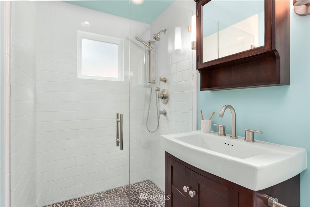 Sold Property | 4747 48th Avenue NE Seattle, WA 98105 9