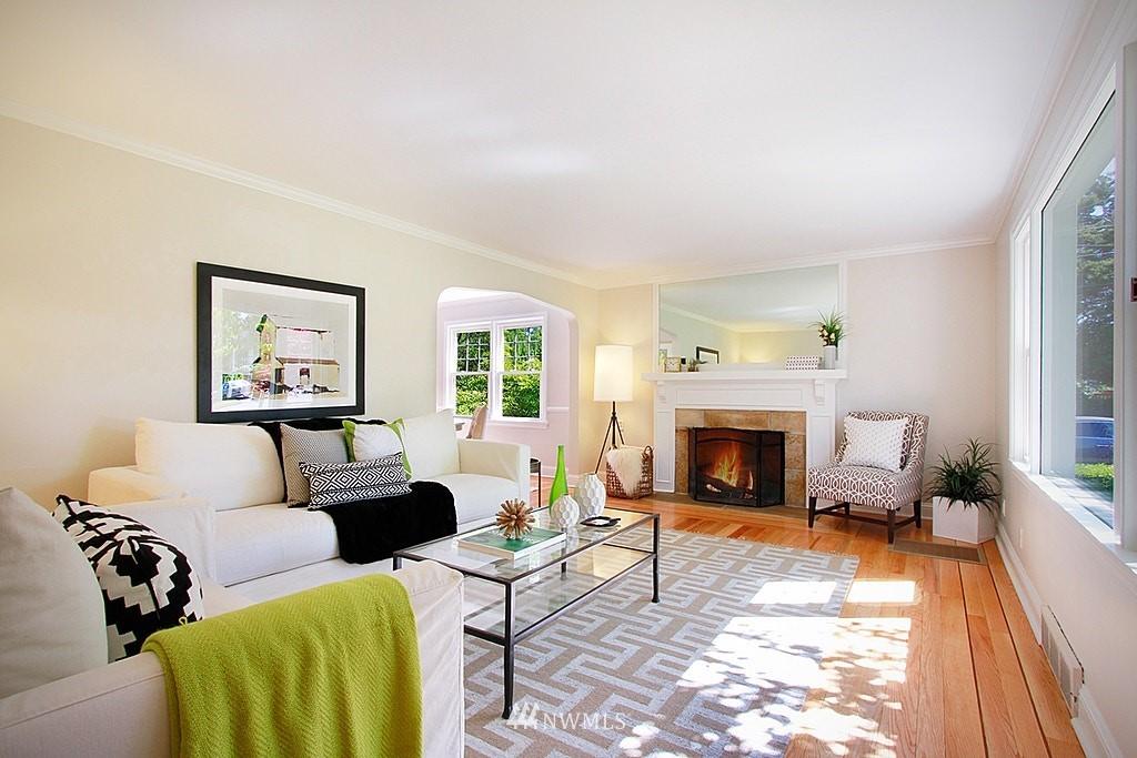 Sold Property   7002 34th Avenue NE Seattle, WA 98115 4