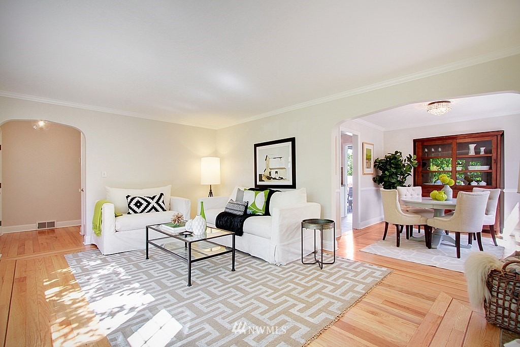 Sold Property   7002 34th Avenue NE Seattle, WA 98115 5