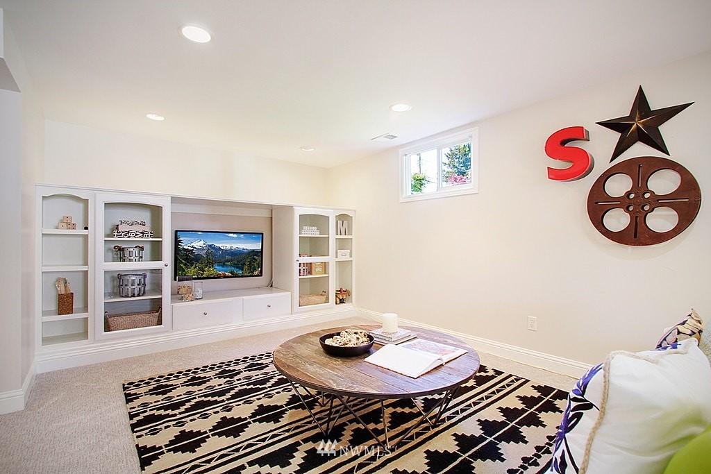 Sold Property   7002 34th Avenue NE Seattle, WA 98115 13
