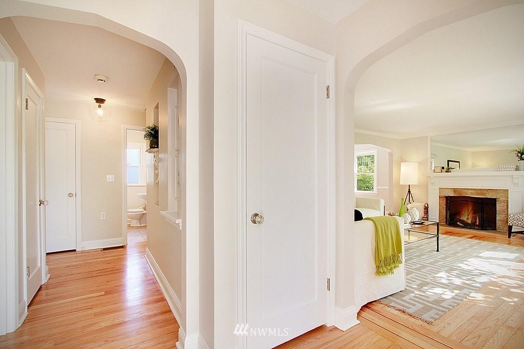 Sold Property   7002 34th Avenue NE Seattle, WA 98115 15