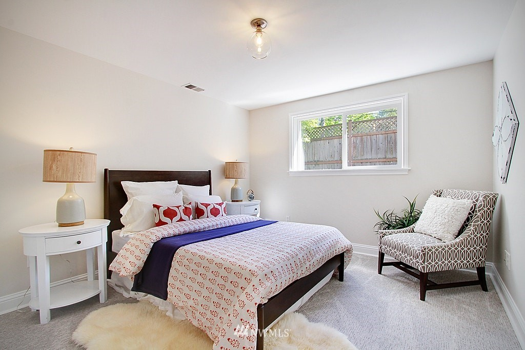 Sold Property   7002 34th Avenue NE Seattle, WA 98115 19