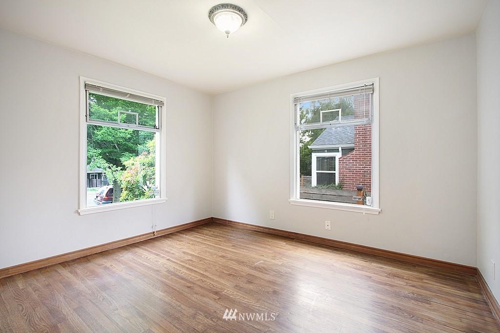 Sold Property | 9422 35th Avenue SW Seattle, WA 98126 4