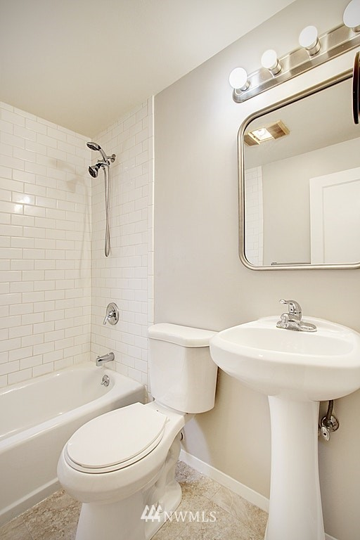 Sold Property | 9422 35th Avenue SW Seattle, WA 98126 5