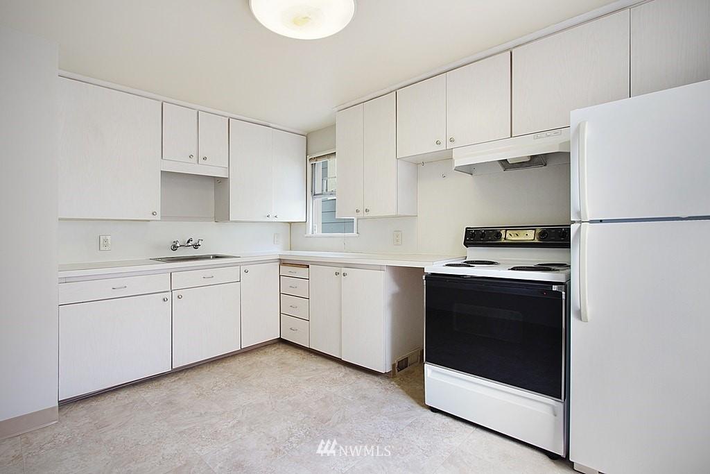 Sold Property | 9422 35th Avenue SW Seattle, WA 98126 7