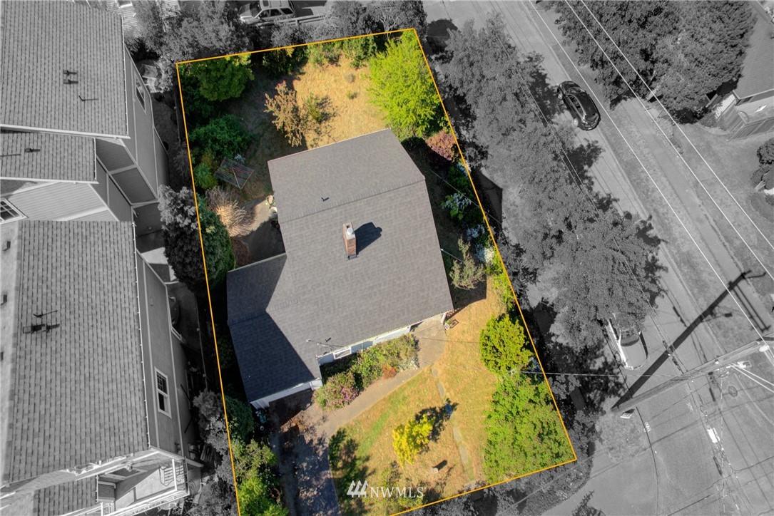 Sold Property   752 N 92nd Street Seattle, WA 98103 3