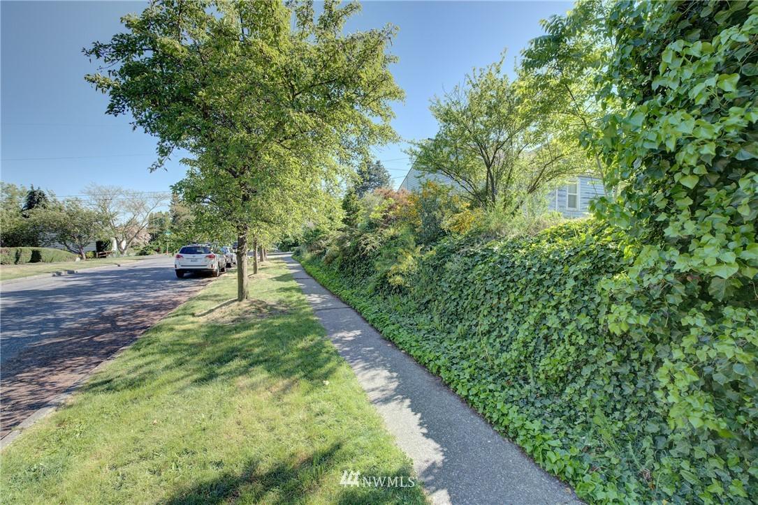 Sold Property   752 N 92nd Street Seattle, WA 98103 6
