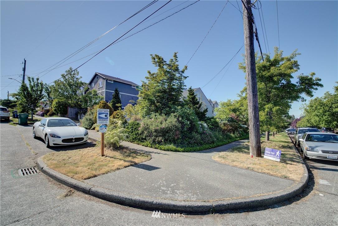 Sold Property   752 N 92nd Street Seattle, WA 98103 8