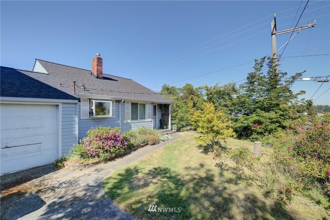 Sold Property   752 N 92nd Street Seattle, WA 98103 10