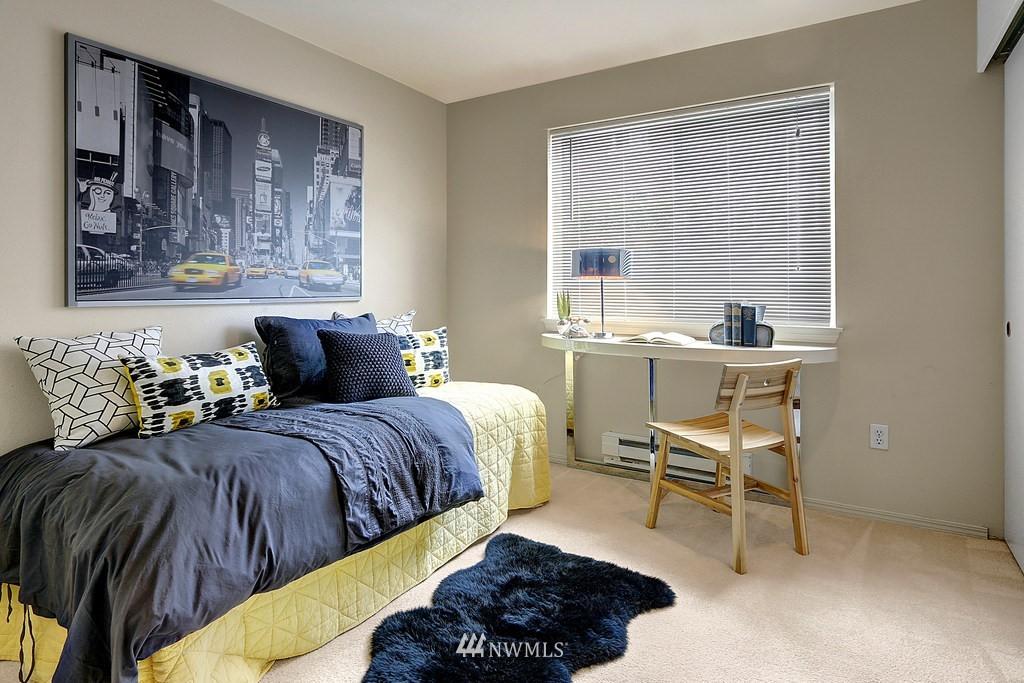 Sold Property | 1818 18th Avenue #101 Seattle, WA 98122 6