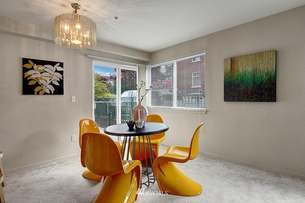 Sold Property | 1818 18th Avenue #101 Seattle, WA 98122 5