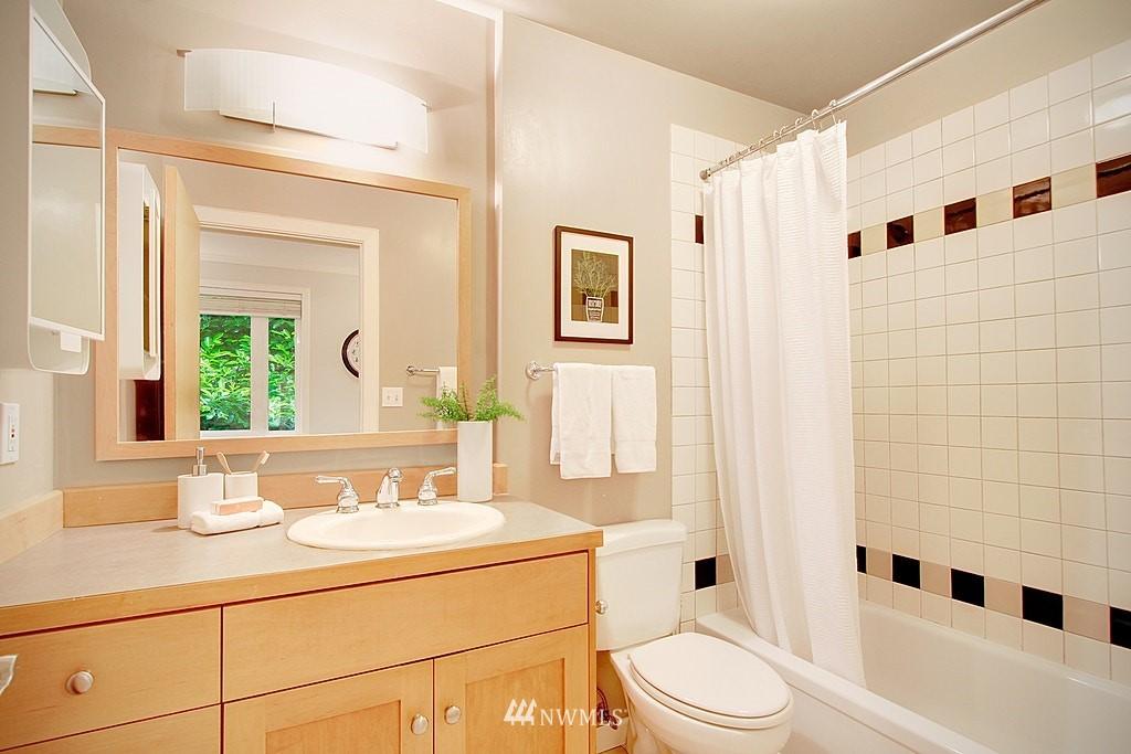 Sold Property | 2750 NE 103rd Street Seattle, WA 98125 12