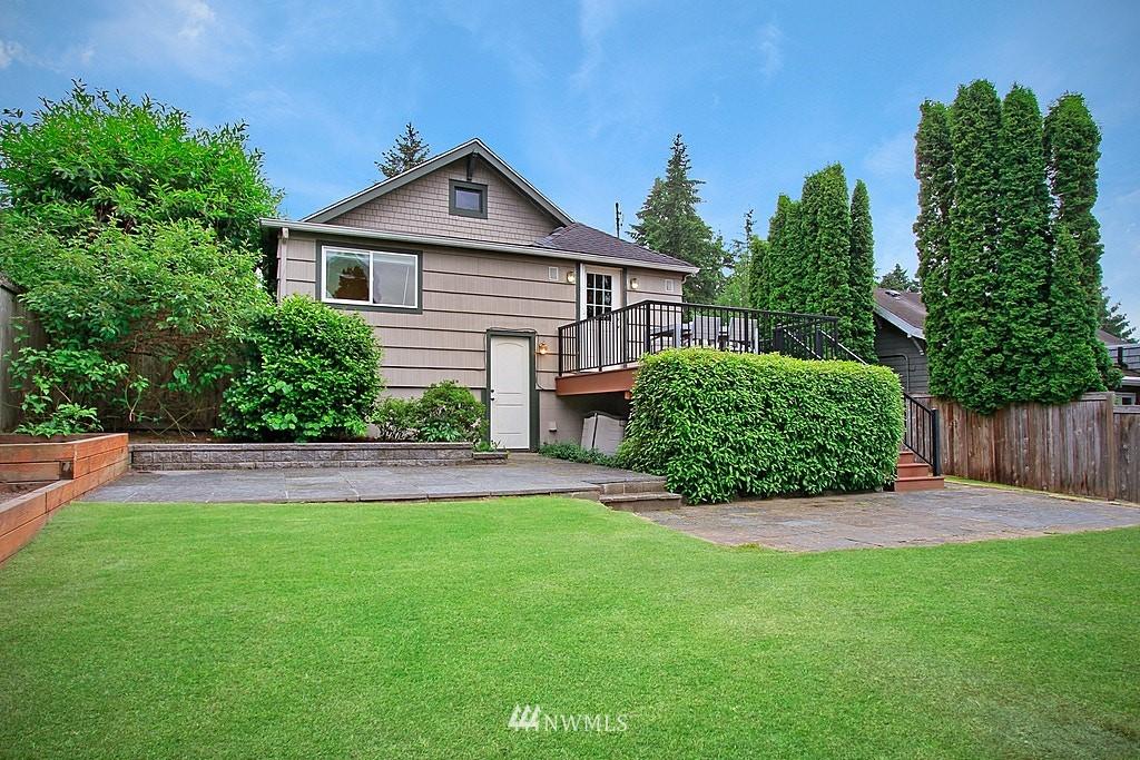 Sold Property | 2750 NE 103rd Street Seattle, WA 98125 18