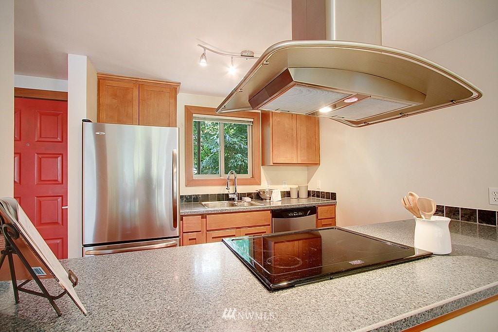 Sold Property   1730 Taylor Avenue N #301 Seattle, WA 98109 4