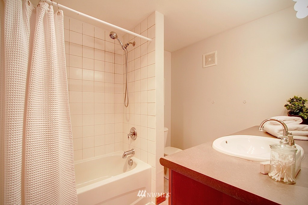 Sold Property   1730 Taylor Avenue N #301 Seattle, WA 98109 9
