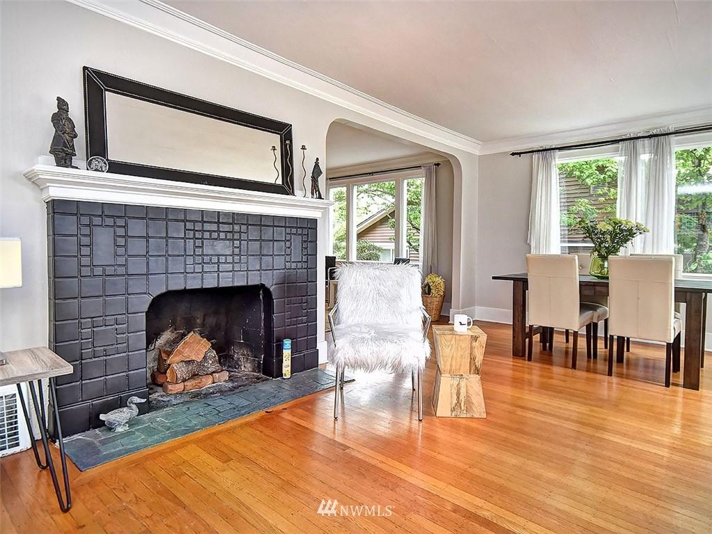 Sold Property | 522 N 68th Street Seattle, WA 98103 2
