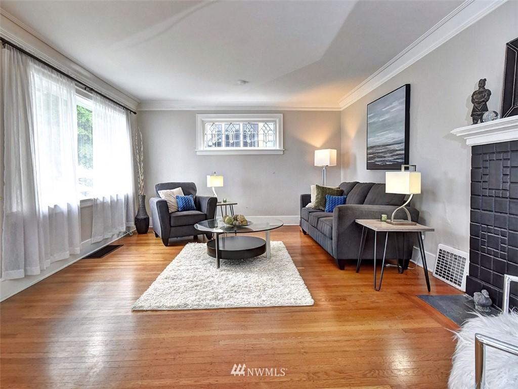 Sold Property | 522 N 68th Street Seattle, WA 98103 3