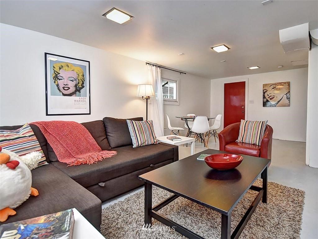 Sold Property | 522 N 68th Street Seattle, WA 98103 20
