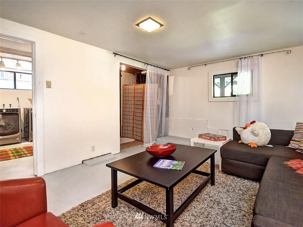 Sold Property | 522 N 68th Street Seattle, WA 98103 21
