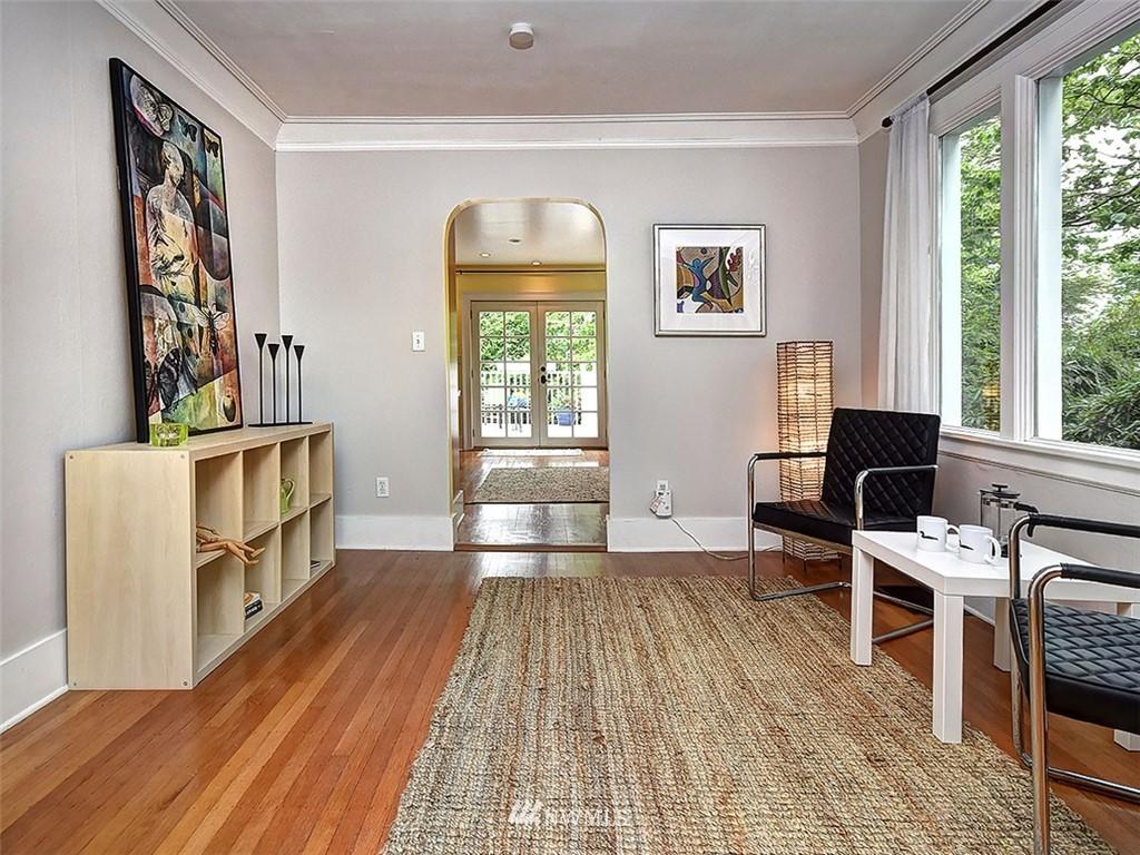 Sold Property | 522 N 68th Street Seattle, WA 98103 5