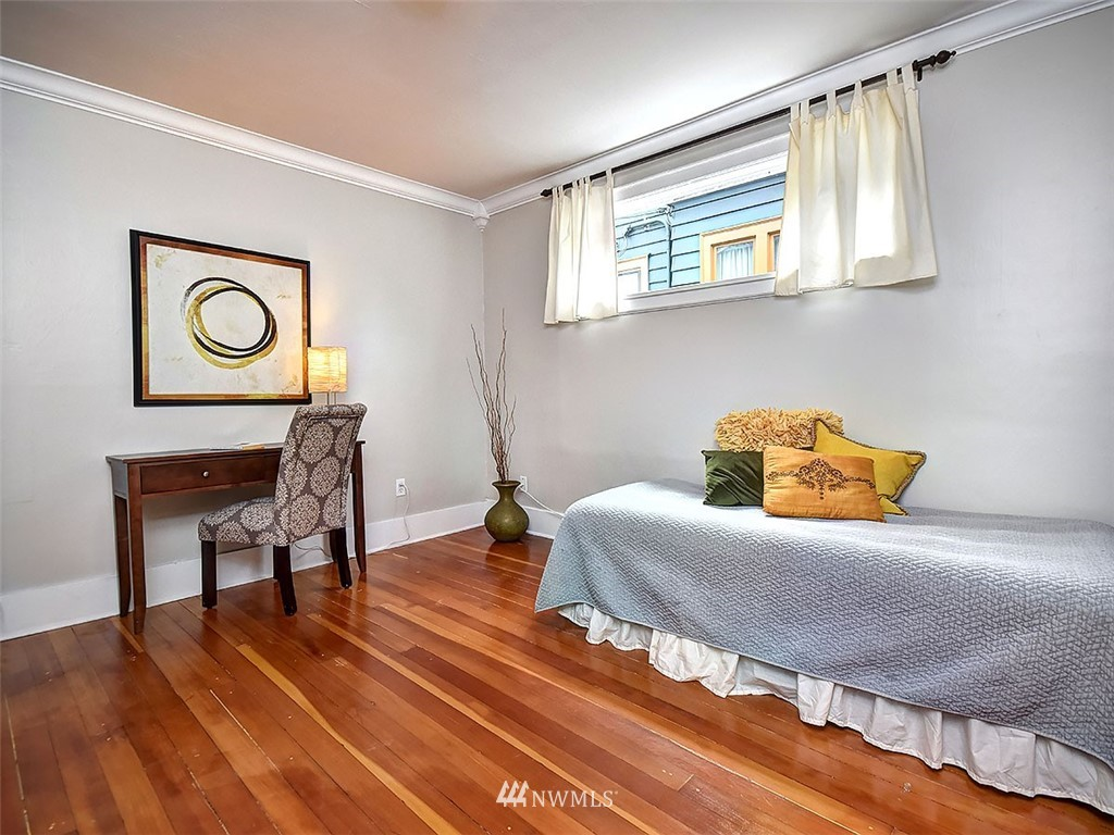Sold Property | 522 N 68th Street Seattle, WA 98103 12