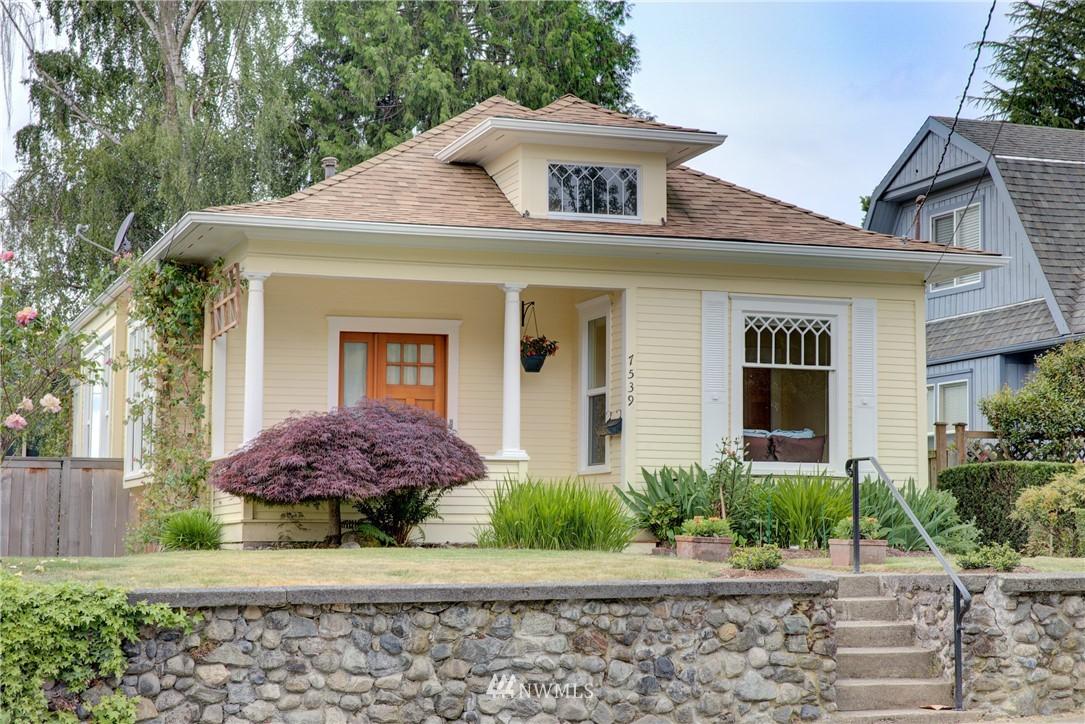Sold Property | 7539 1st Avenue NE Seattle, WA 98115 0
