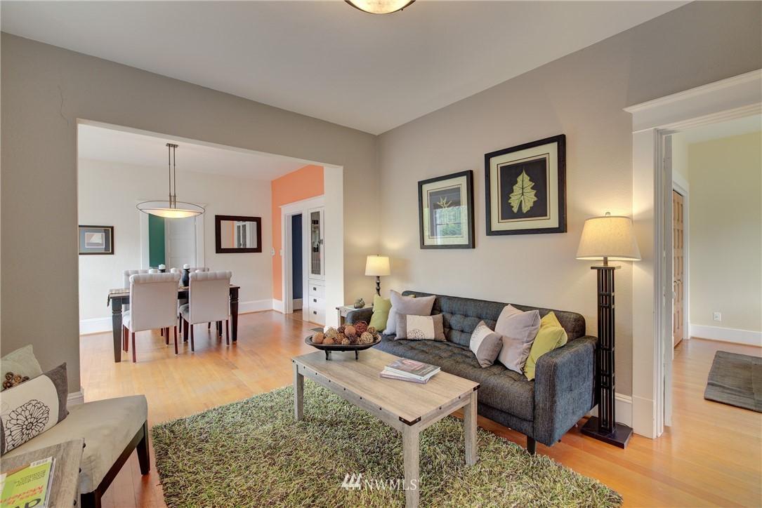 Sold Property | 7539 1st Avenue NE Seattle, WA 98115 4