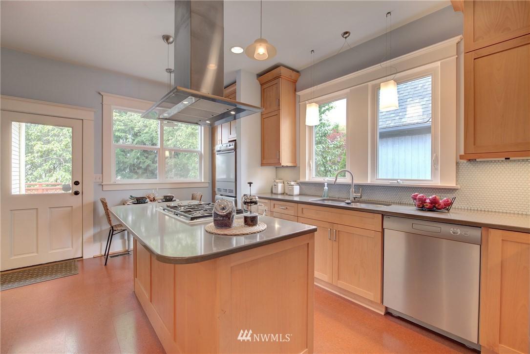 Sold Property | 7539 1st Avenue NE Seattle, WA 98115 6