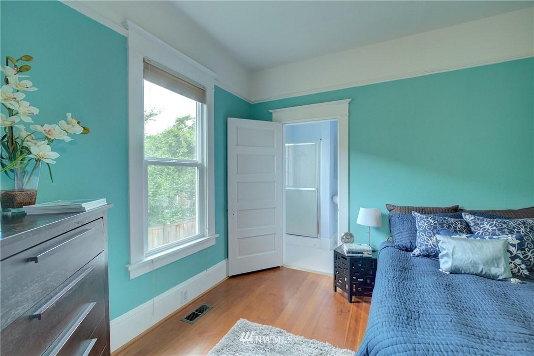 Sold Property | 7539 1st Avenue NE Seattle, WA 98115 9