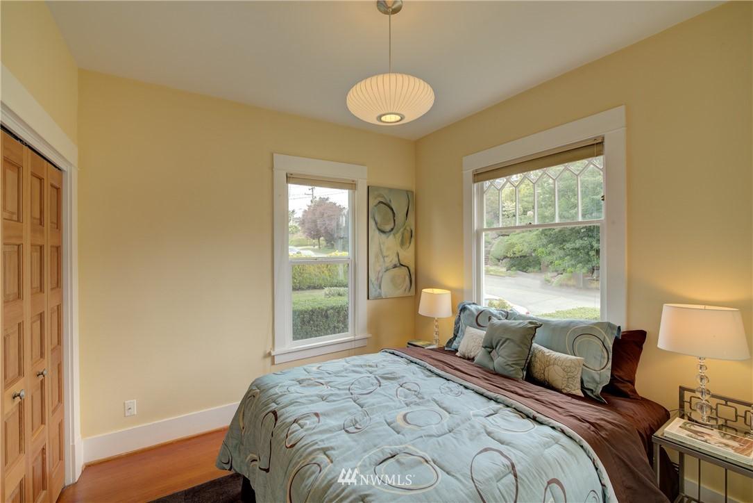 Sold Property | 7539 1st Avenue NE Seattle, WA 98115 11