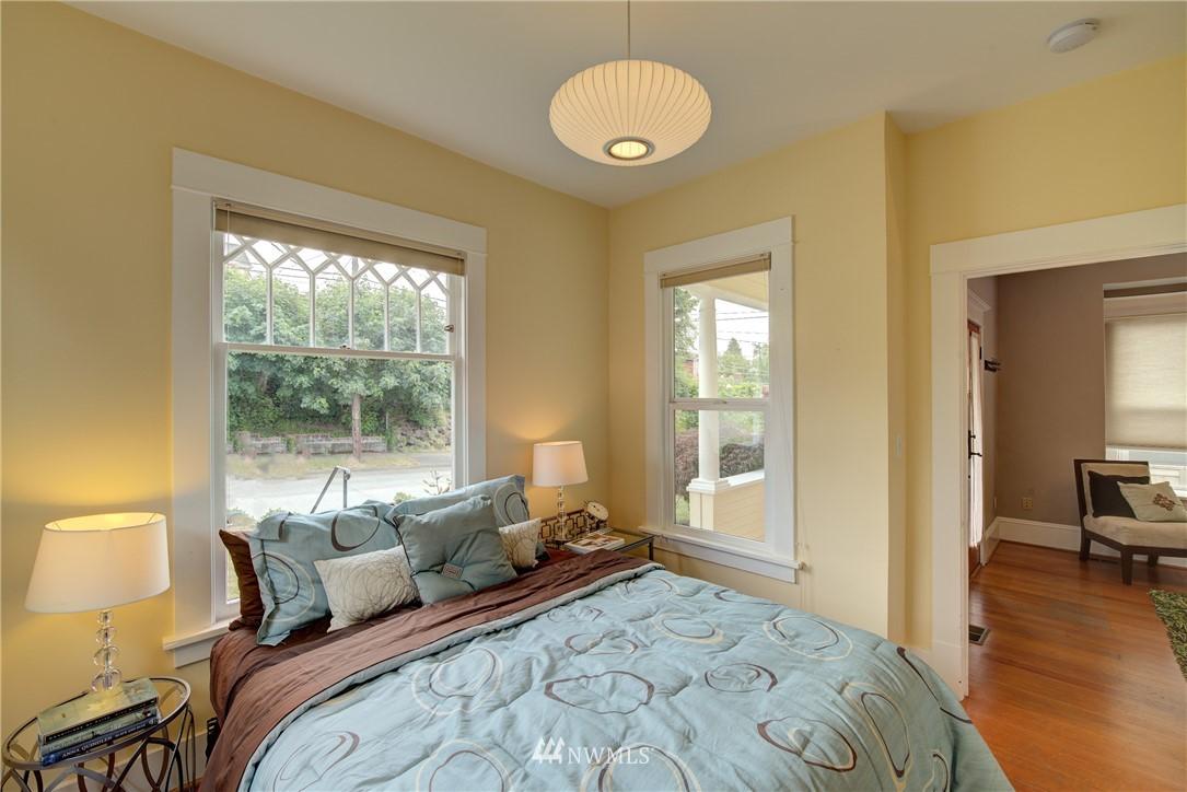 Sold Property | 7539 1st Avenue NE Seattle, WA 98115 12