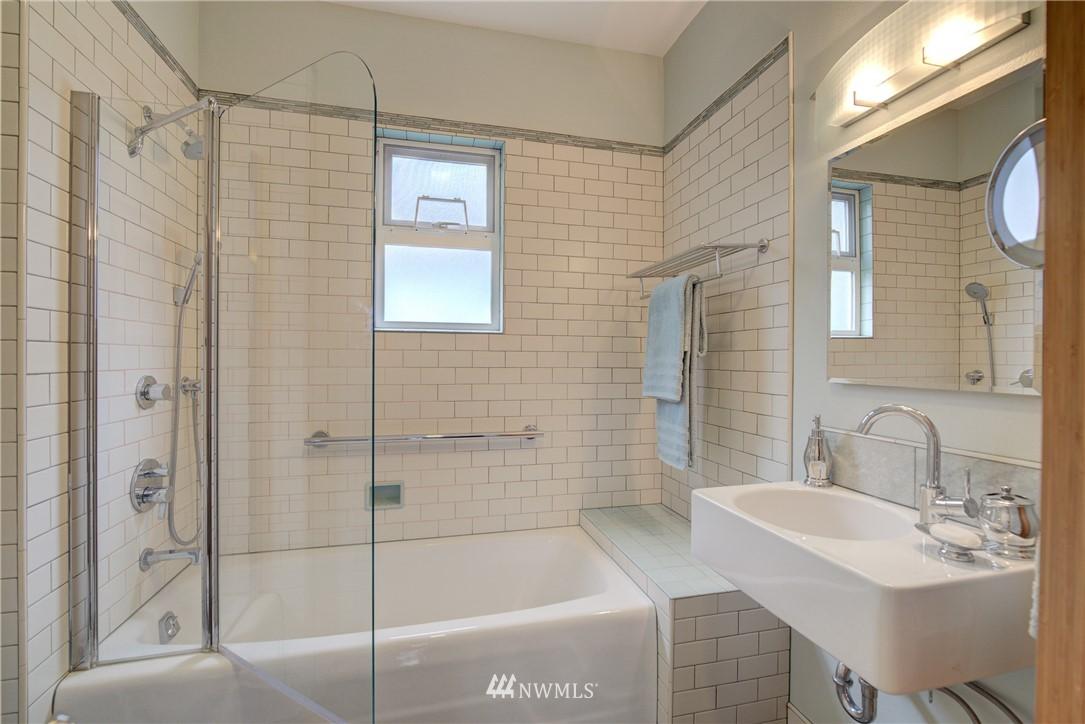 Sold Property | 7539 1st Avenue NE Seattle, WA 98115 13
