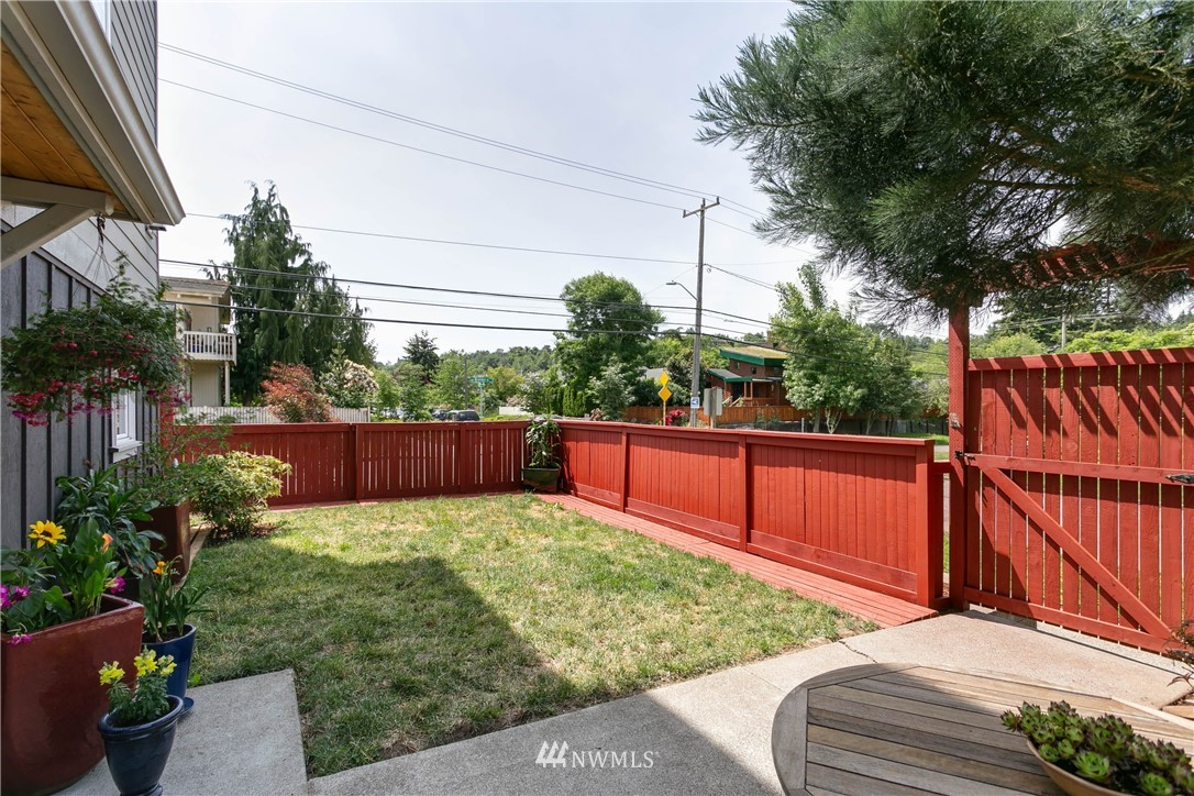 Sold Property | 5236 25th Avenue SW Seattle, WA 98106 3