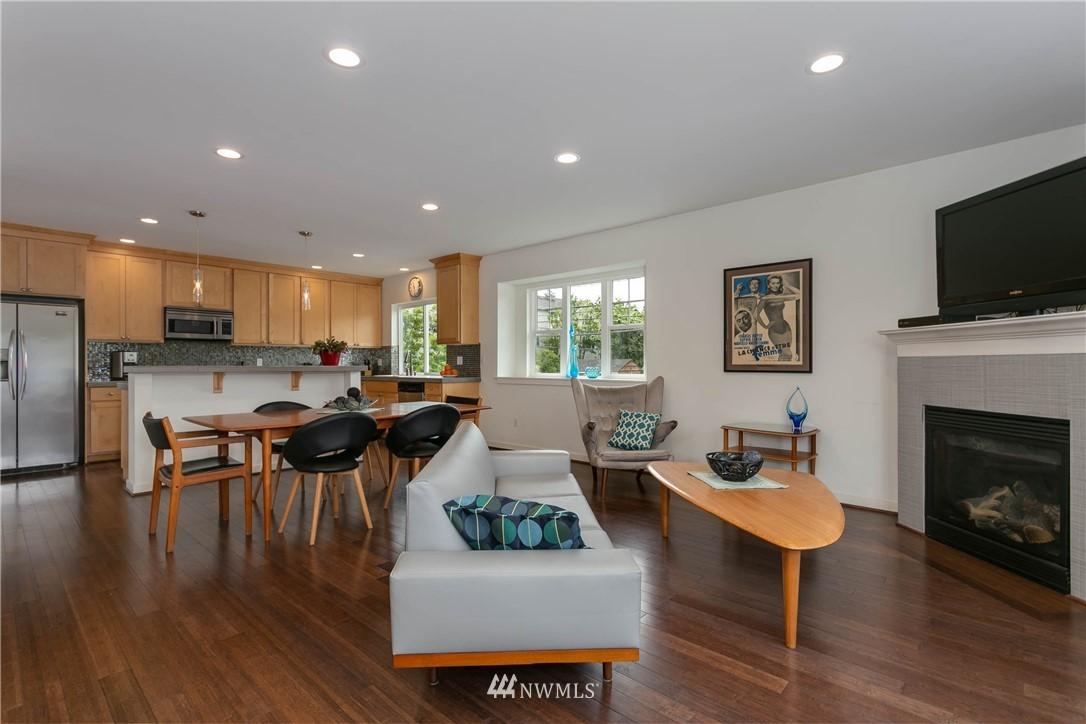 Sold Property | 5236 25th Avenue SW Seattle, WA 98106 4