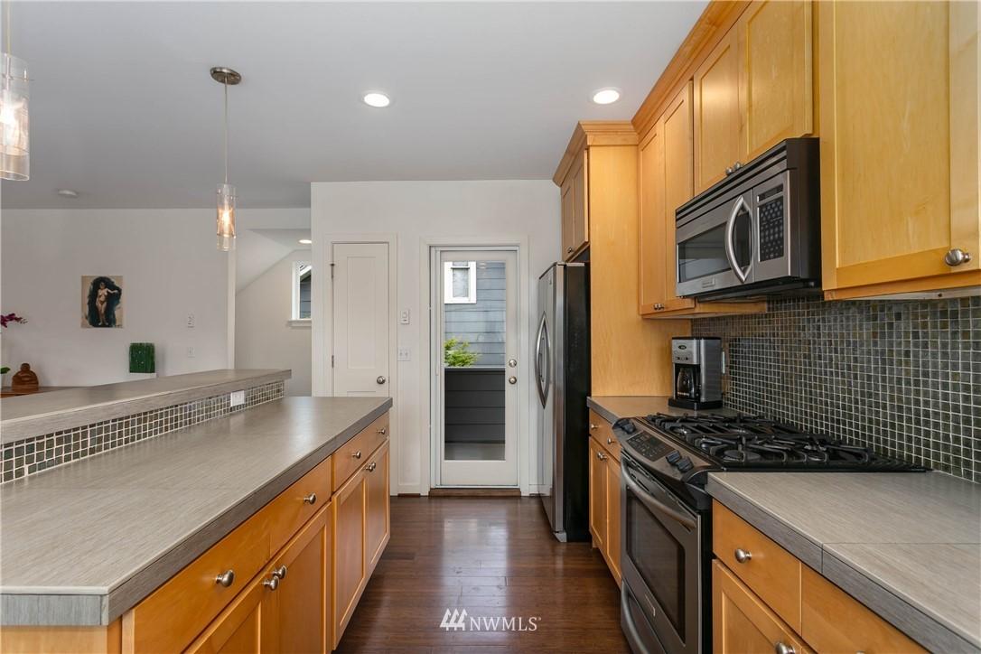 Sold Property | 5236 25th Avenue SW Seattle, WA 98106 10