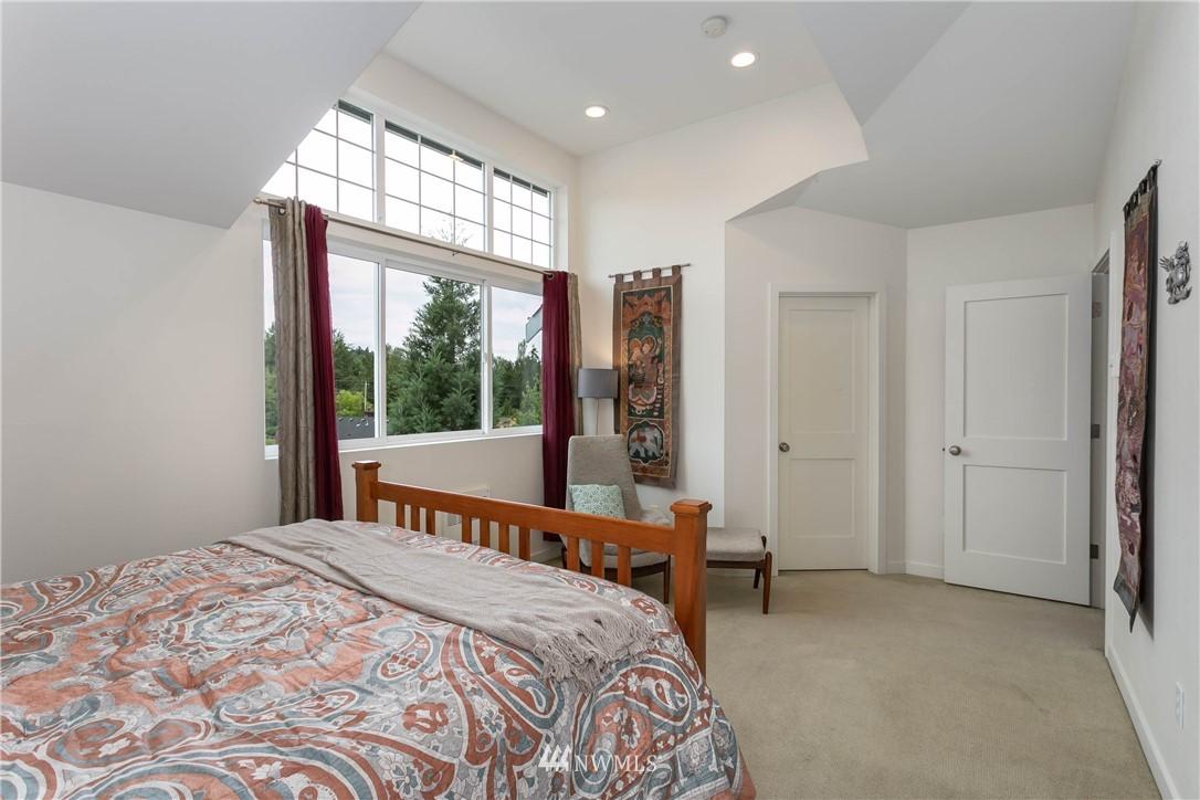 Sold Property | 5236 25th Avenue SW Seattle, WA 98106 13