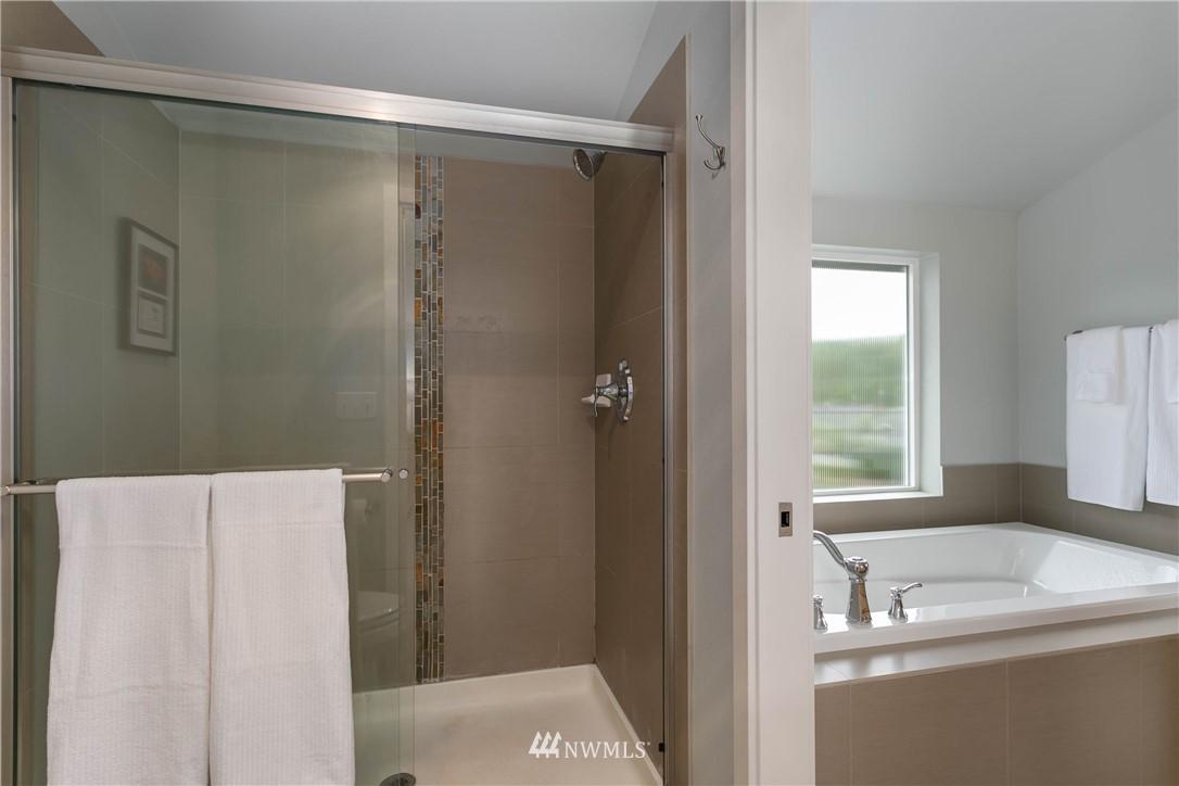 Sold Property | 5236 25th Avenue SW Seattle, WA 98106 15