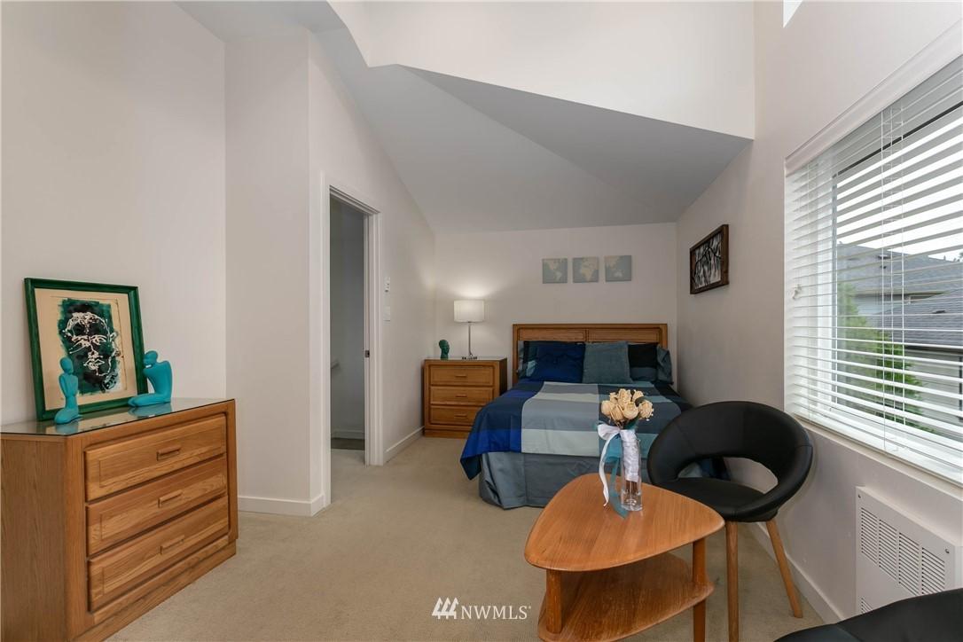 Sold Property | 5236 25th Avenue SW Seattle, WA 98106 16