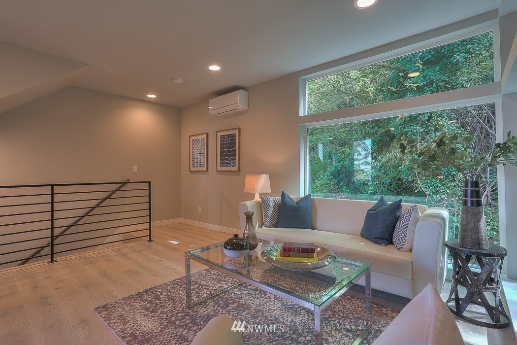 Sold Property   3713 S Dawson Street Seattle, WA 98118 3