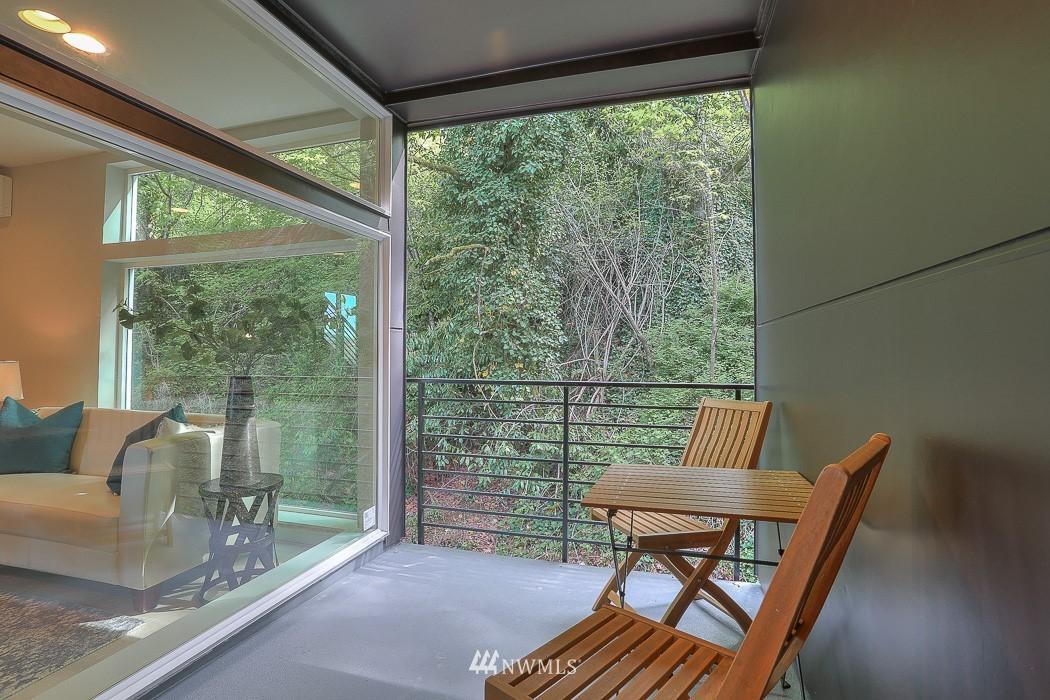 Sold Property   3713 S Dawson Street Seattle, WA 98118 8