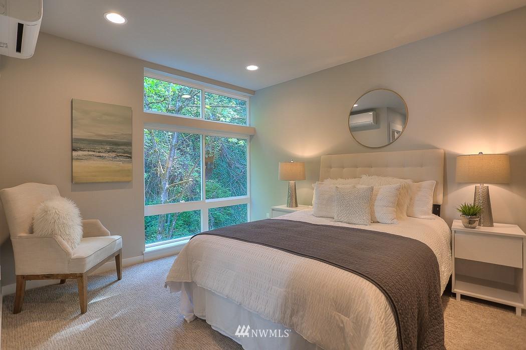 Sold Property   3713 S Dawson Street Seattle, WA 98118 10